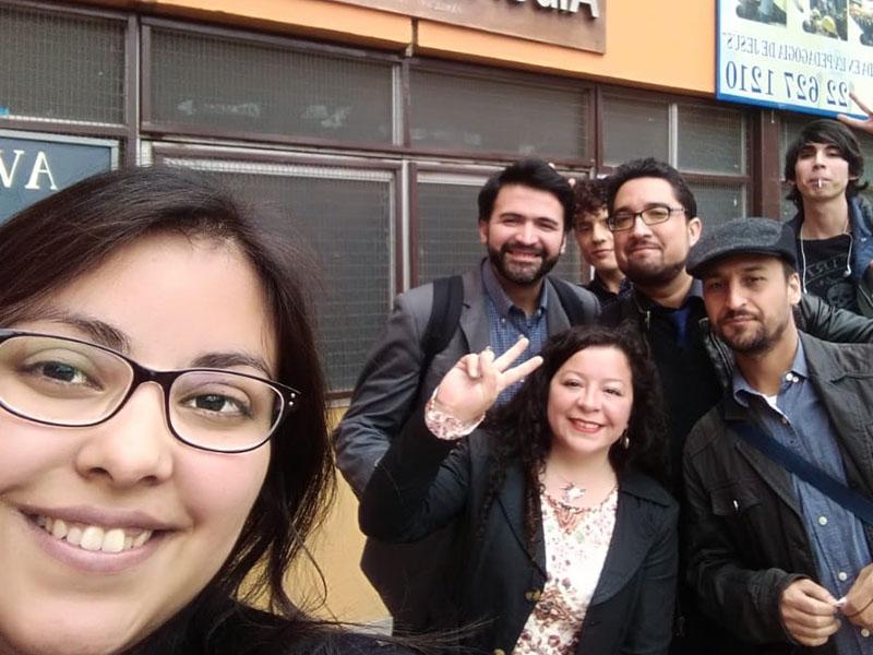 Charlas sobre formación ciudadana dictaron docentes y alumnos de la Universidad Miguel de Cervantes a estudiantes de Quilicura.