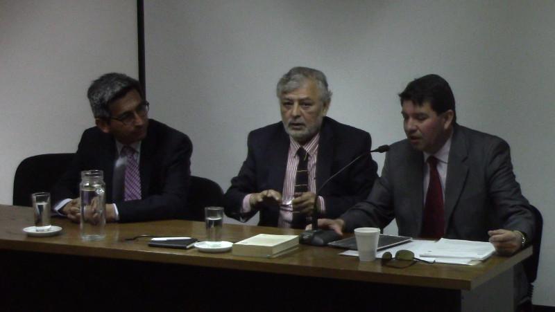 Carrera de Derecho realiza primer conversatorio sobre Constitución