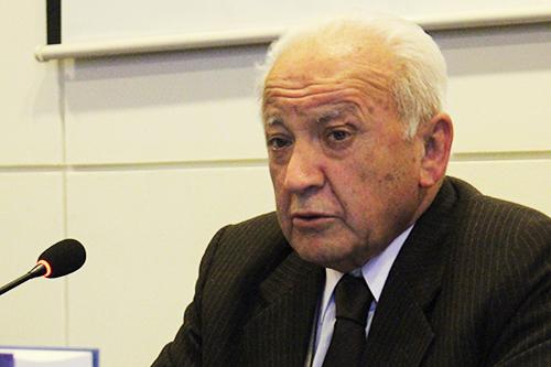 Homenaje al Profesor Eduardo Godoy Gallardo, recientemente fallecido, que realizó en vida, importante aporte al mundo literario de Chile y a las letras del habla hispana.
